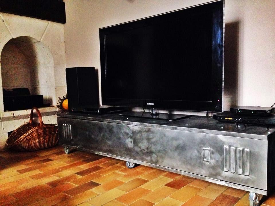 Cr ations - Meuble tv vestiaire metallique ...