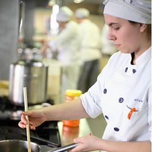 Normas de seguridad y higiene de la cocina y distintivo h for Normas de higiene personal en la cocina