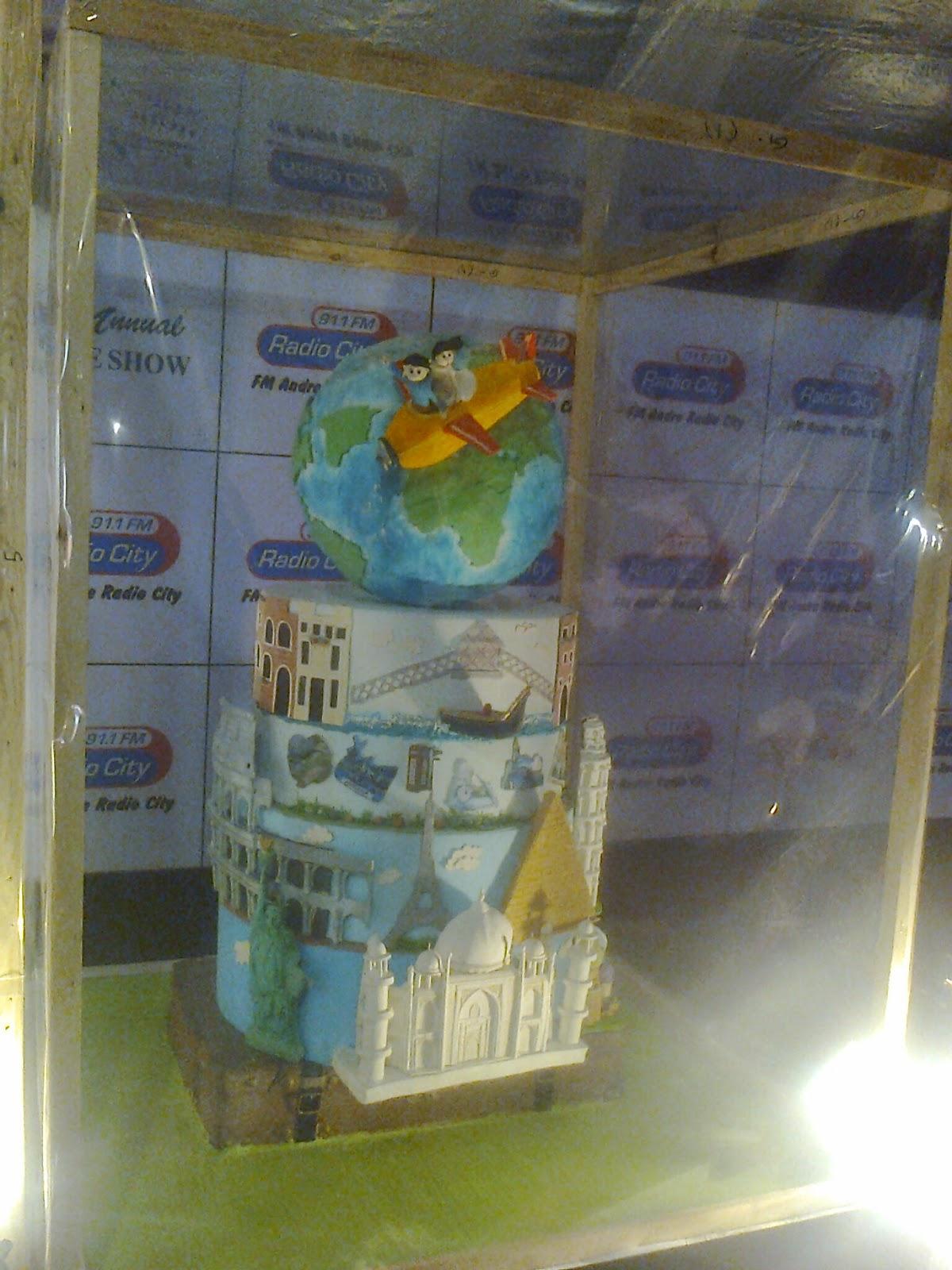 St Year Birthday Cakes Bangalore