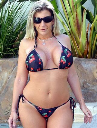 Sara Jay, una MILF en Brazzers Orgasmatrix