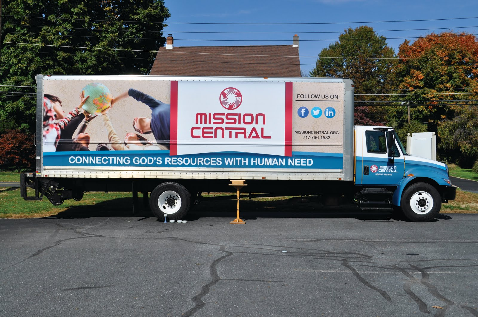 susquehanna link mission central dedicates new truck. Black Bedroom Furniture Sets. Home Design Ideas