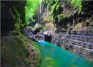 © http://www.panoramio.com/photo/64070142