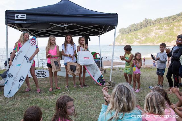Ganadoras chicas  en Playa España