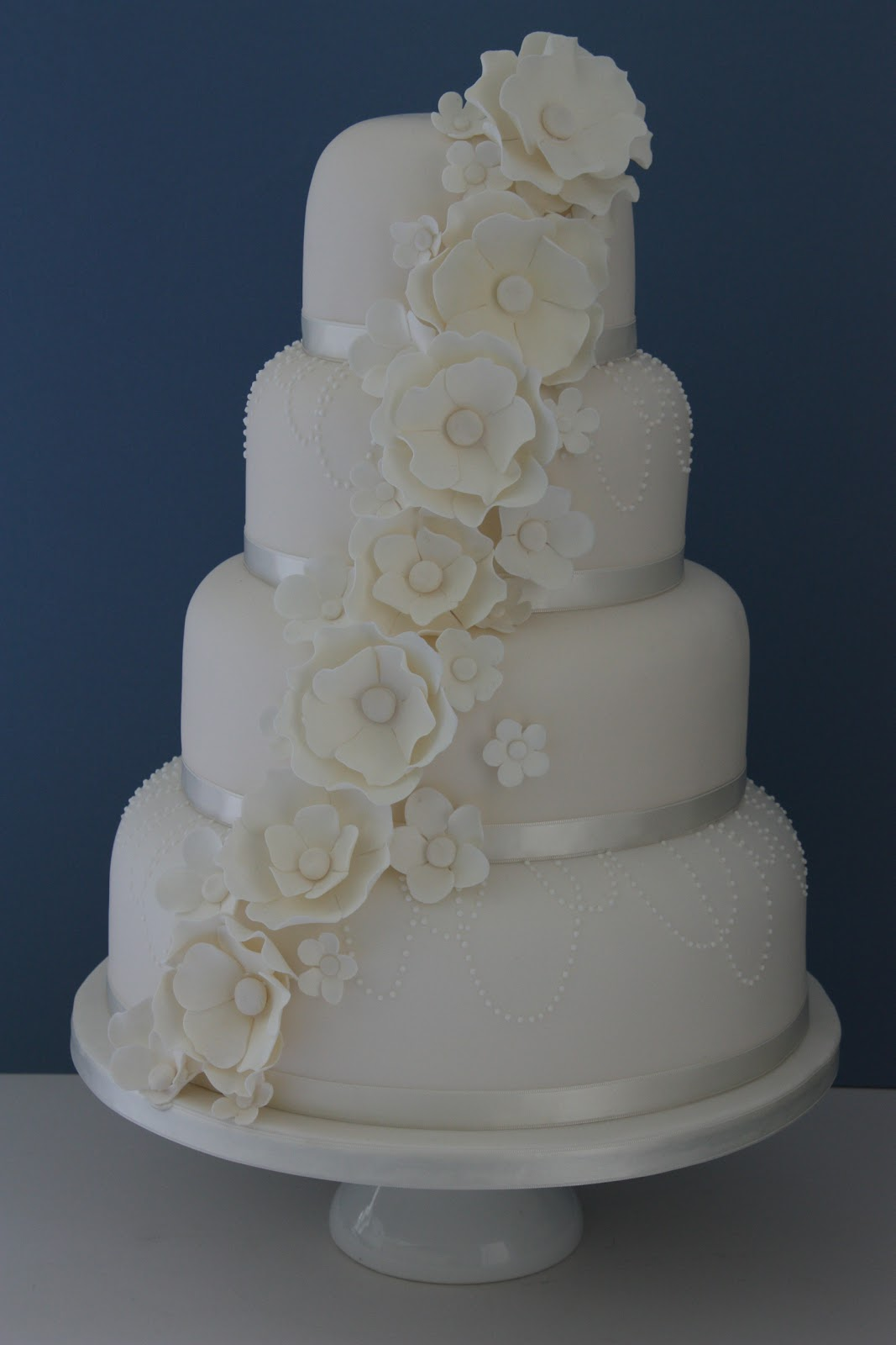 Tiers & Tiaras: Flowers and Pearls Wedding Cake