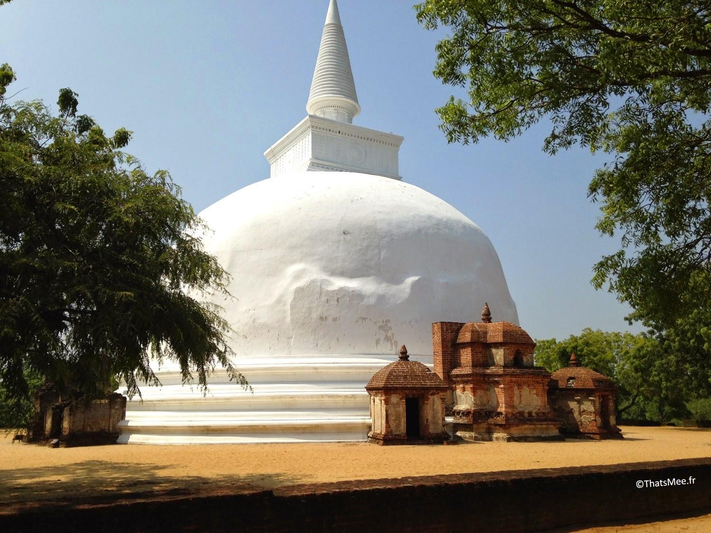 dagoba Stupa de Polonnaruwa Sri-Lanka stuppah triangle culturel