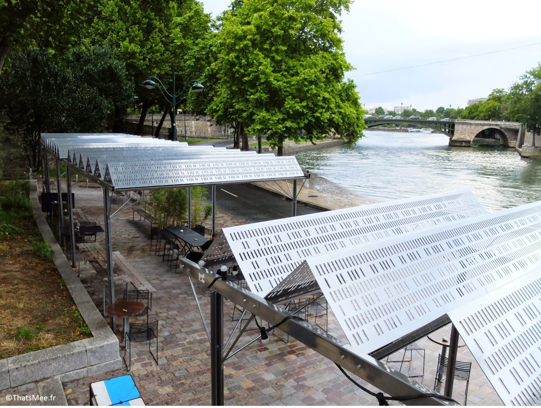 terrasse Les Nautes Paris quai des Célestins vue sur la Seine  auvent metallique