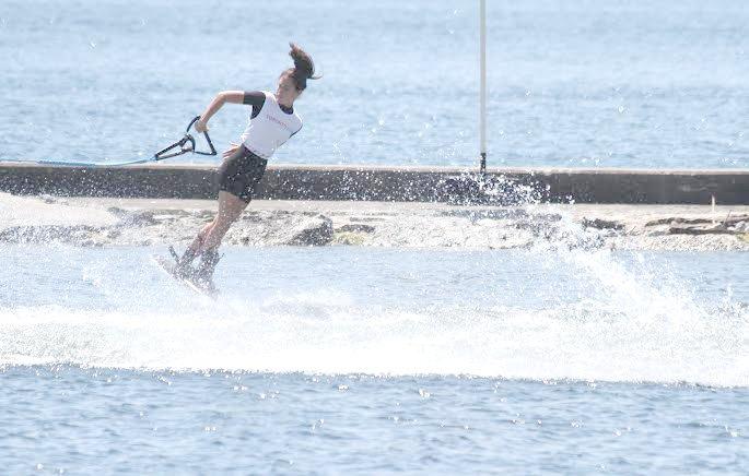Natalia Cuglievan medalla de oro en Figuras o Maniobras Esquí Acuático en Toronto 2015