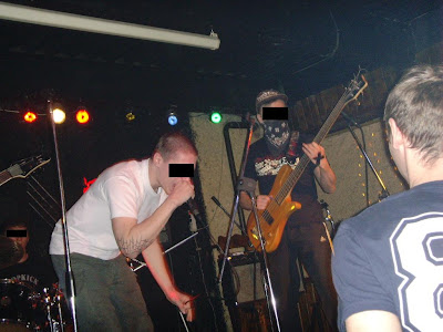 Так же на концерте впервые исполнялась песня группы с говорящим названием Straight Edge