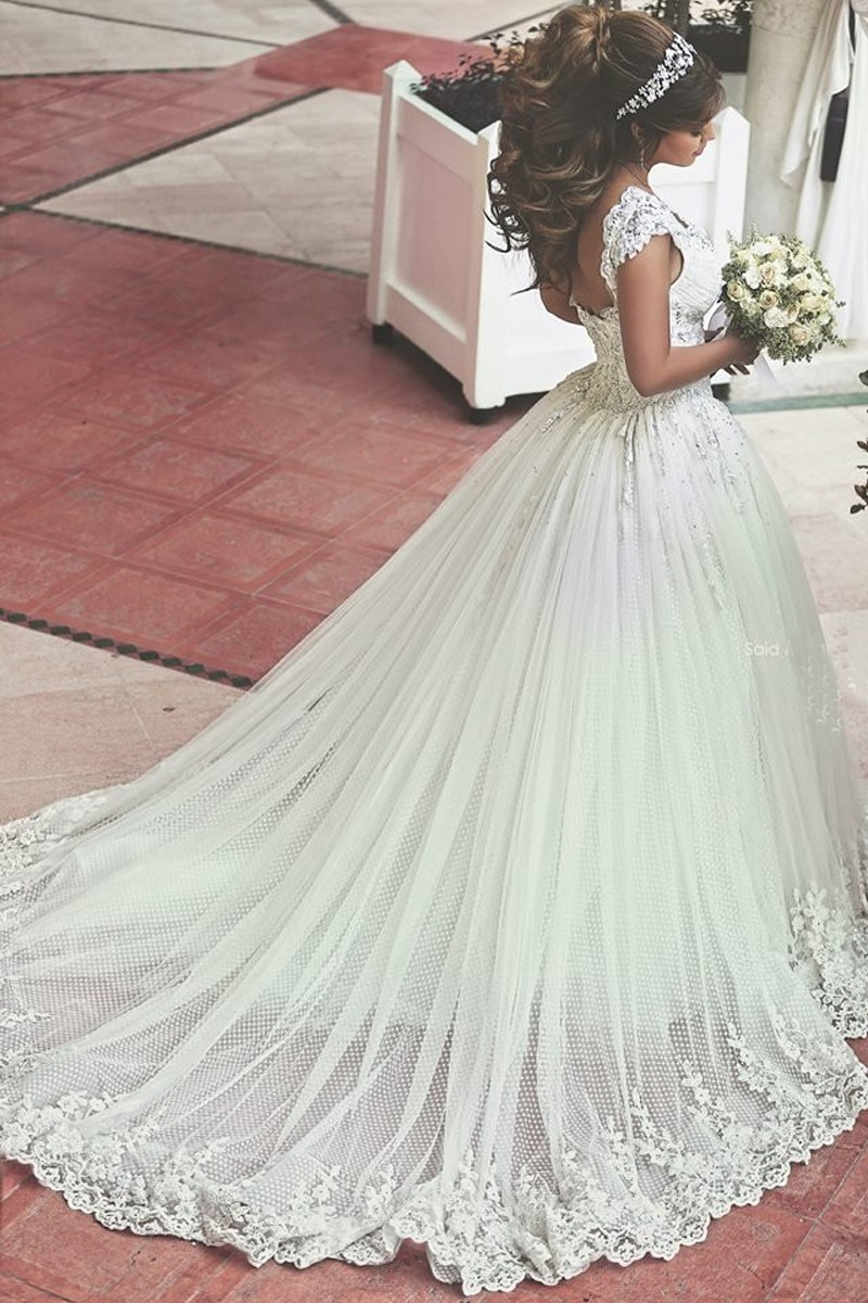 Mesmerizing long train wedding dresses style long train wedding dresses junglespirit Image collections