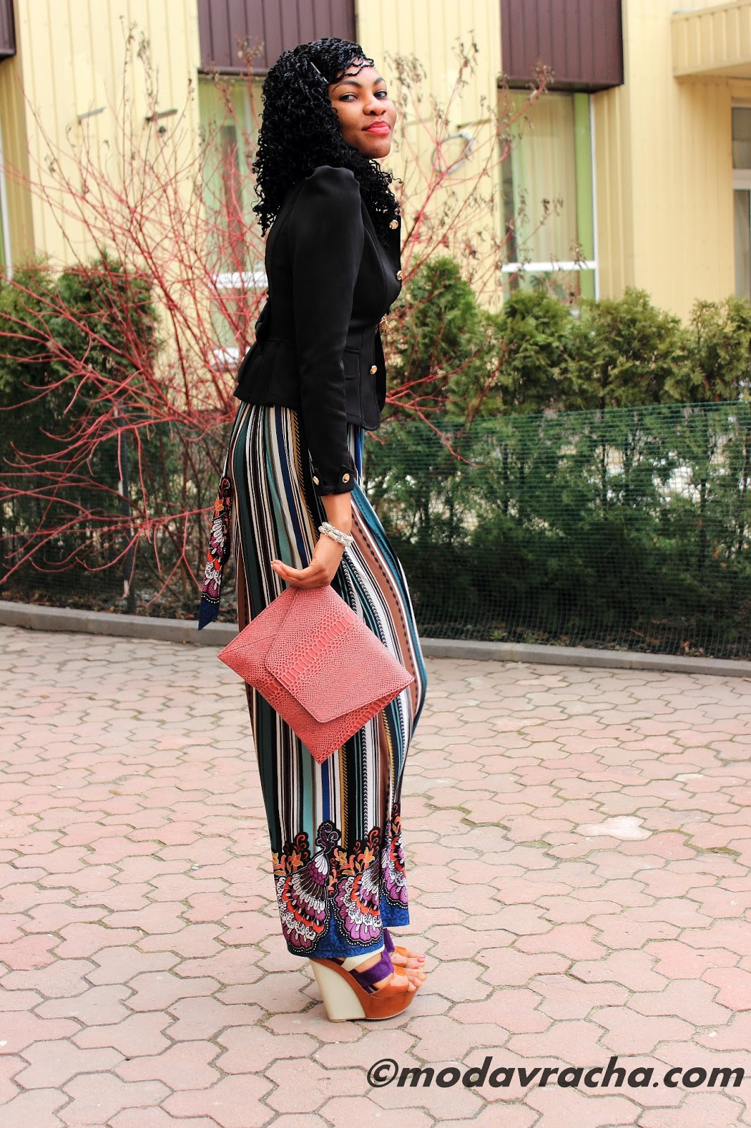 Nigerian fashion blogger modavracha in maxi dress outfit