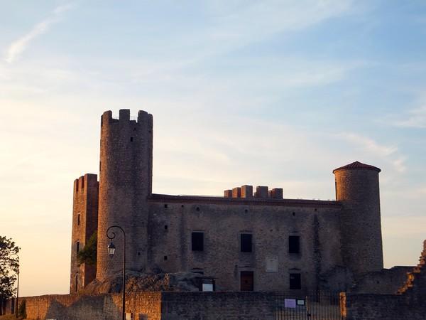 France Loire gorges château Essalois
