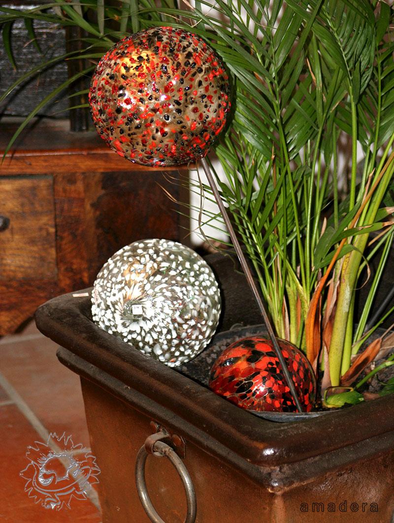 Amadera meuble et d coration le charme thique du for Deco jardin boule