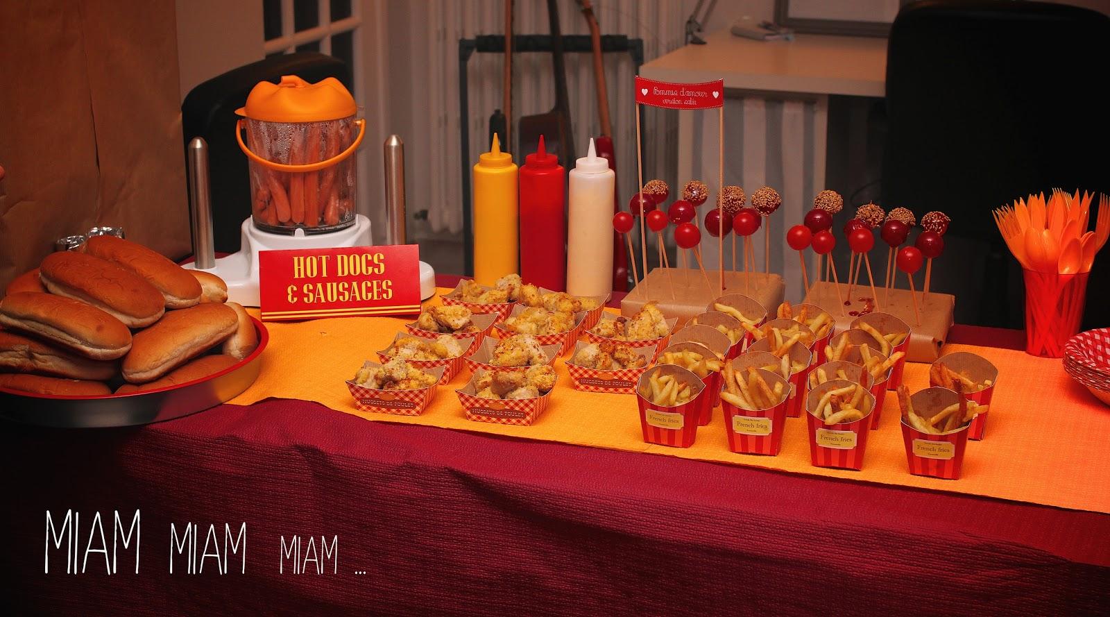 Un anniversaire f te foraine le buffet sal a for Repas original pour anniversaire