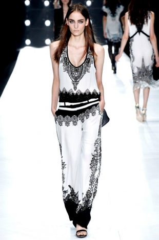 Roberto-Cavalli-Collection-Spring-2013-12