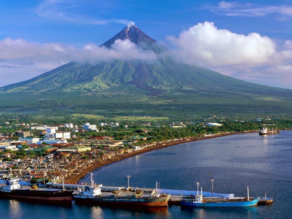 philippines tourist attractions Planning for the best of your travel and vacation in the philippines in 2016 here are 20 must-visit or must-return tourist destinations in the country in 2016.