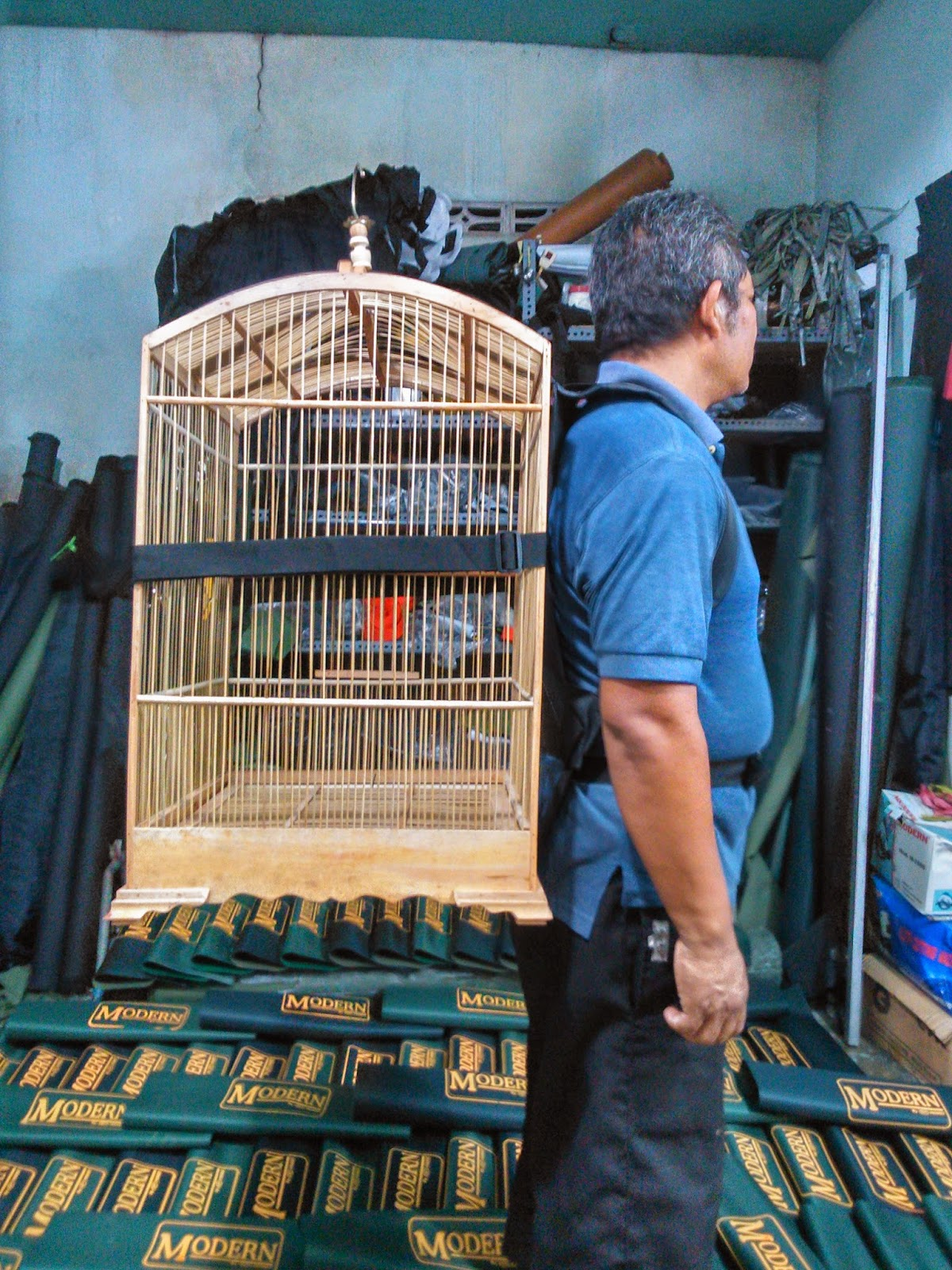 Tas Gendong Pembawa Sangkar Burung Kicau