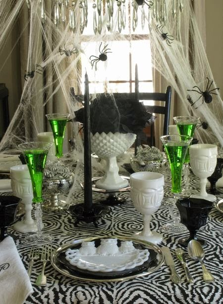 spider halloween tablescape
