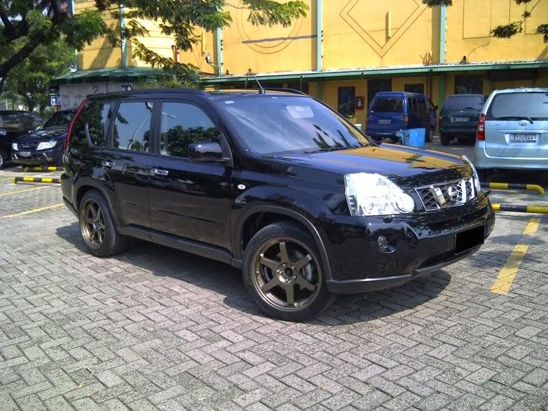 Modifikasi Mobil Nissan X-Trail 2010