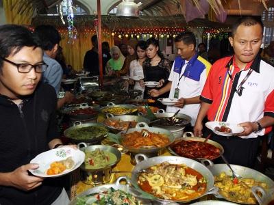 Malaysia, Berita, Gossip, Selebriti, Artis Malaysia, Universal, rai, artis, dan, media, Datuk Siti Nurhaliza, 6ixth Sense, Pretty Ugly, Betty Benafe, Harris Alif, Nash Lefthanded