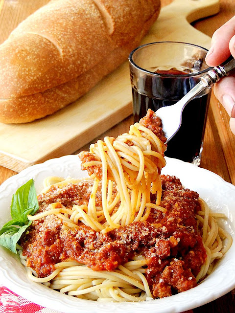 Slow Cooker Bolognese from www.bobbiskozykitchen.com