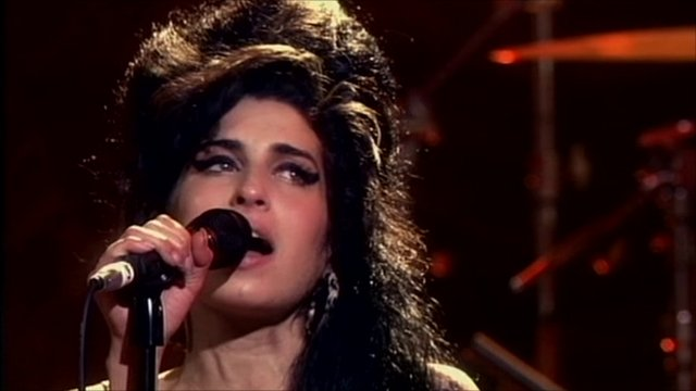 photographingthedead: Amy Winehouse Death Amy Winehouse Death
