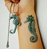 Fotos de tattoos de cavalo marinho