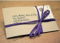 http://www.manualidadesblog.com/tarjetas-e-invitaciones-originales/#more-2684