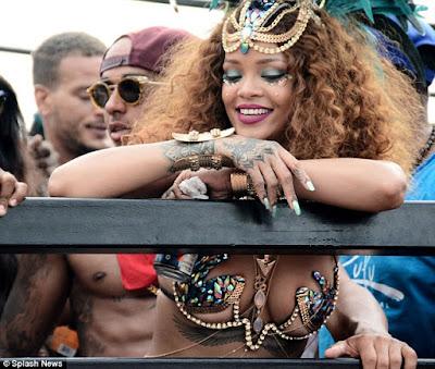 Rihanna & Lewis Hamilton cosy up at Barbados festival  2