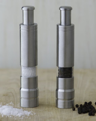 Unique Salt and Pepper Shakers (15) 15
