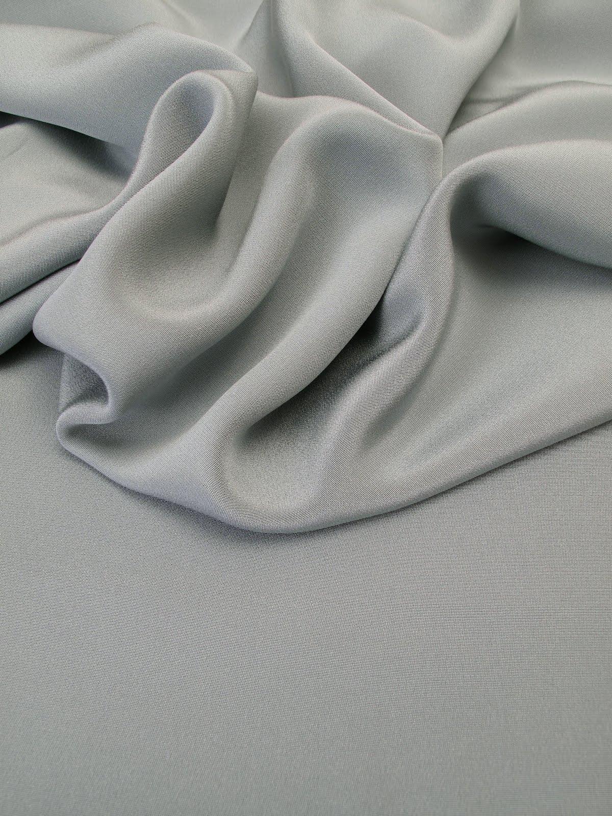 les nouveaut s au jour le jour chez stragier drap de soie ardoise. Black Bedroom Furniture Sets. Home Design Ideas
