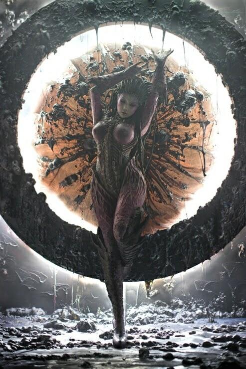 photo de cosplay féminin sexy d'une extra-terrestre inspirée du jeu starcraft