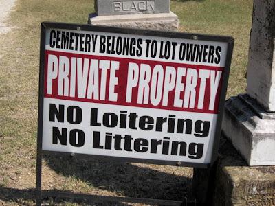 Krum Jackson Cemetery, cemetery sign
