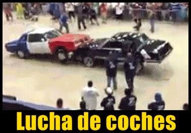 coches-luchan-saltando