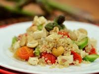Quinoa com Tofu e Aspargos (vegana)