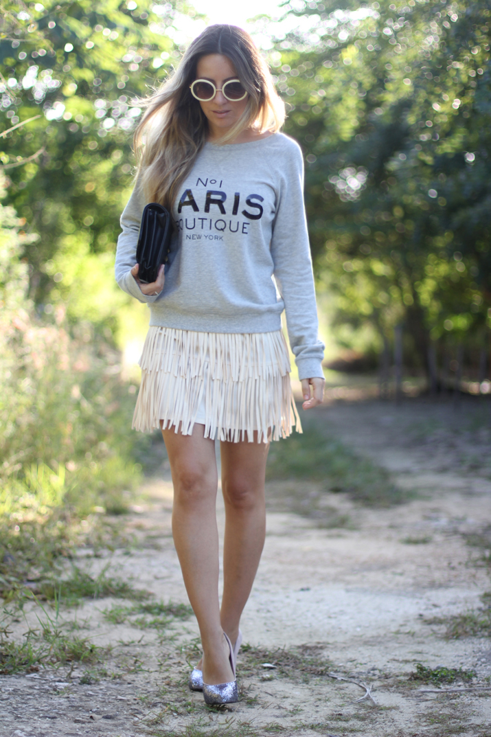 Idea de look con sudadera por fashion blogger