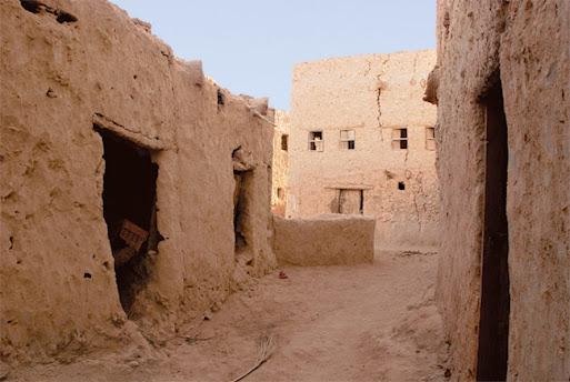بيت في الصحراء