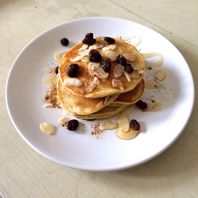 banana pancakes with almonds and raisins
