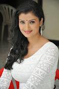 Ishitha Vyas sizzling pics-thumbnail-17