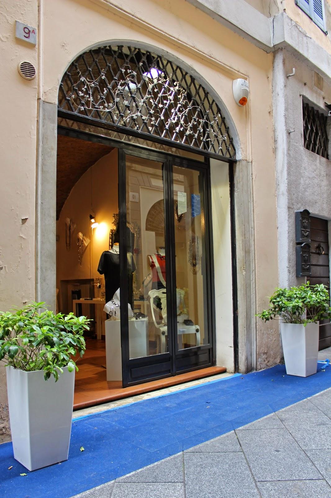 Eniwhere Fashion - Volver - Brescia PIazza Loggia
