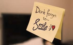 senyum.tidak.perlu.kata.apa-apa