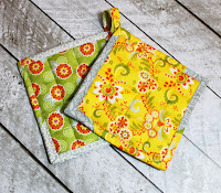 http://www.thestitchingscientist.com/2013/11/how-to-make-pot-holders.html