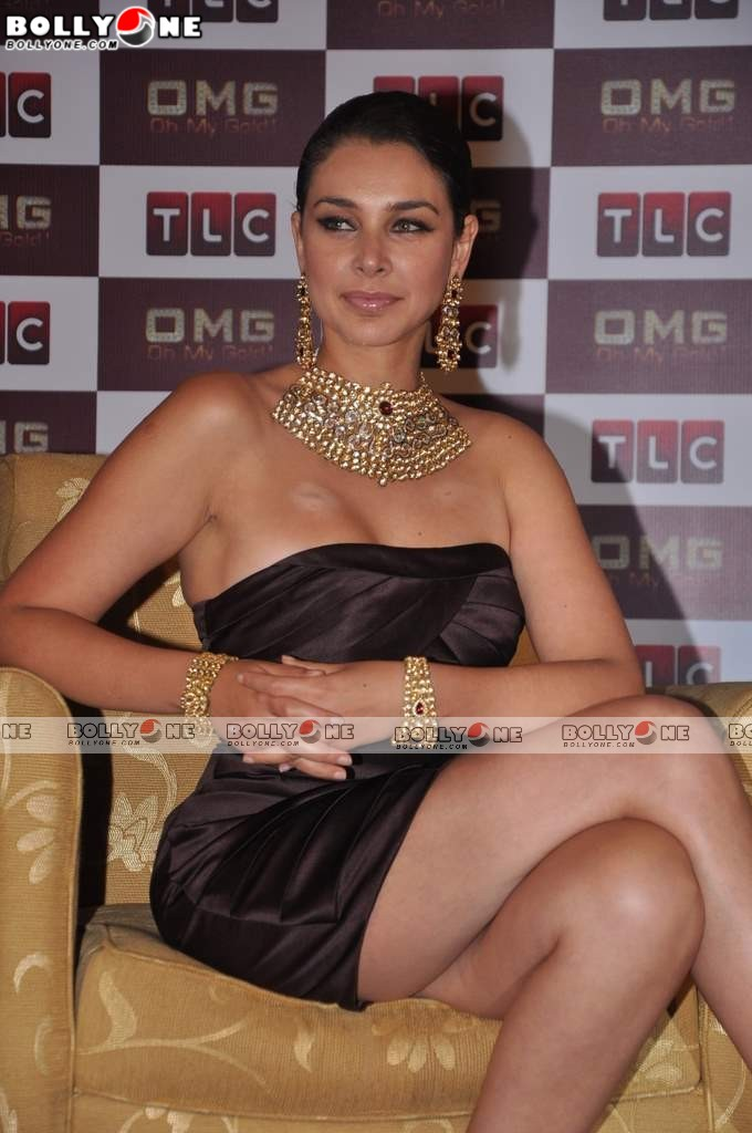 Hot Lisa Ray At The Launch Of OMG (Oh My Gold) TV Show