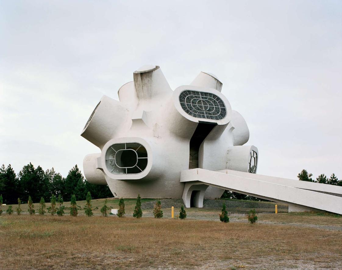 Construcciones socialistas de aspecto futurista Spomenik_05