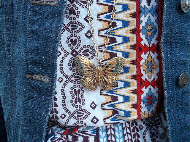 dressember tribal print dress jean jacket brown boots gold necklace simple outfit inspiration casual