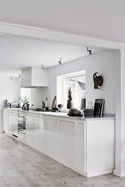 white kitchen cottage feel