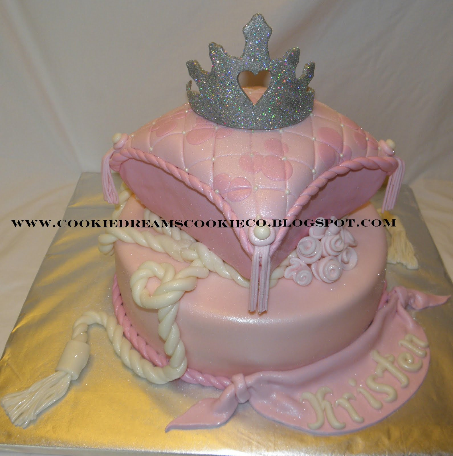Princess Pillow Cake Images : Cookie Dreams Cookie Co.: Princess Pillow Cake!