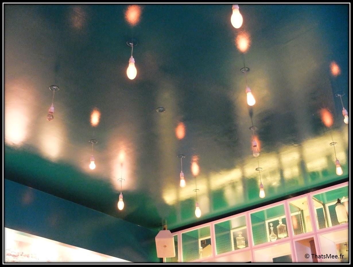 ciel étoilé LED ampoues plafond couleur vert canard, restaurant Loup rotisserie Paris rue du Louvre