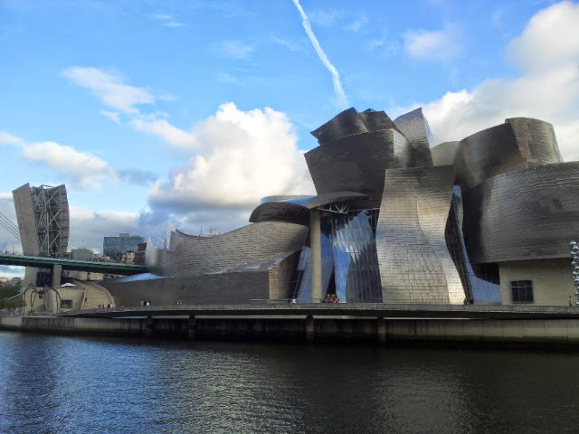 Guggenheim Museum Bilbao private tour guide
