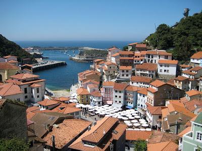 Pueblos con encanto: Cudillero (Asturias)