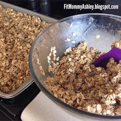 granola, clean eating, chia seeds, flax, oats, breakfast, easy recipes, easy breakfast, healthy cereal, shakeology recipes, vanilla, Ashley Roberts, beachbody coach,